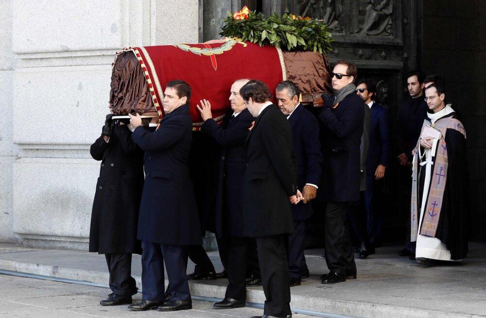 Hispaania endine diktaator Franco viidi mausoleumist kalmistule