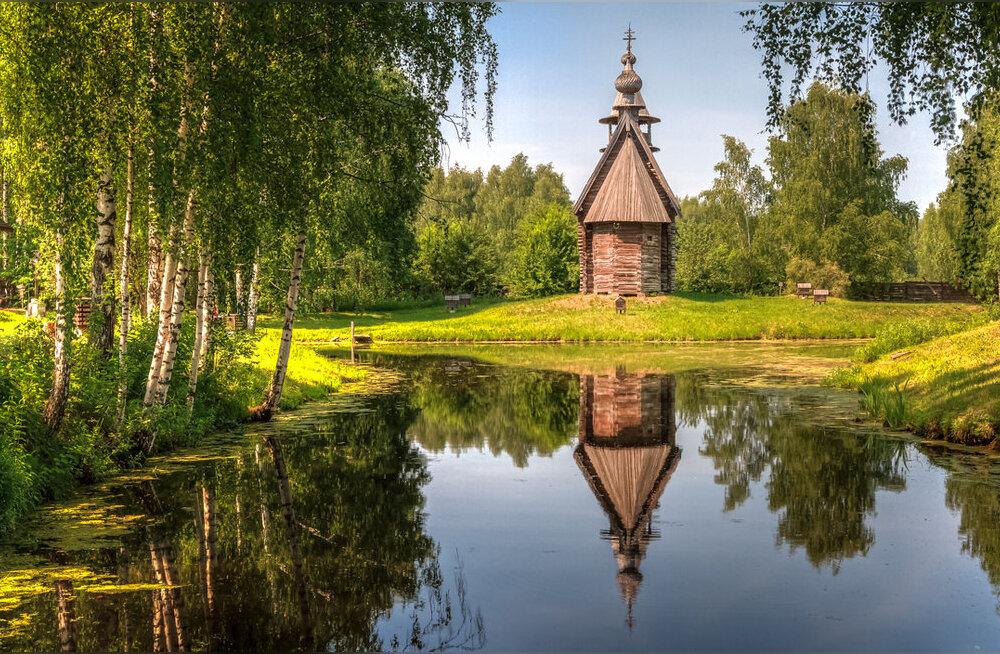 Блины, шоколад и ожерелье: 5 тематических столиц России