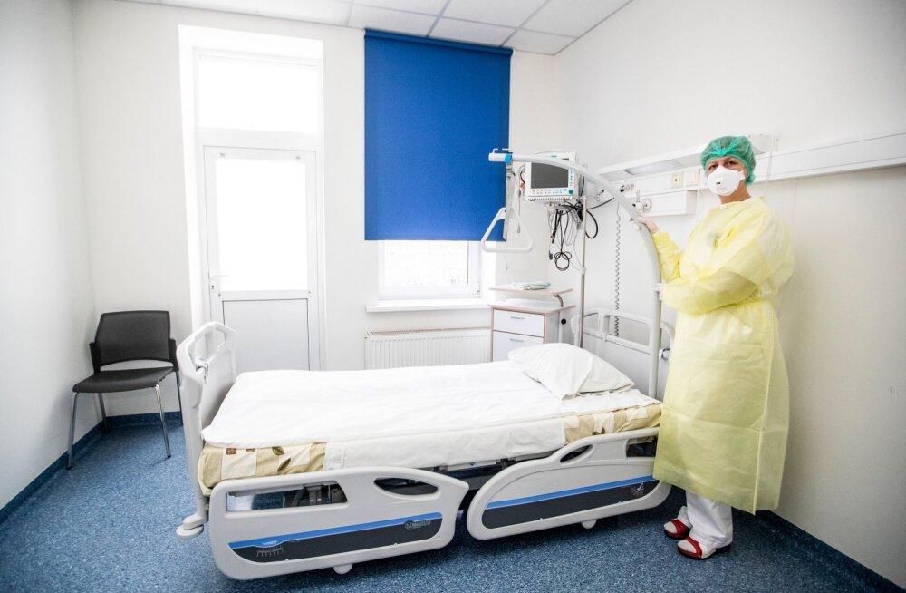 Lääne-Tallinna keskhaigla nakkuskliinik on koroonahaigete ravimiseks valmis. Nad peaksid viibima säärases palatis, kus meedikud kaitsevad end vastavate kaitserõivastega.