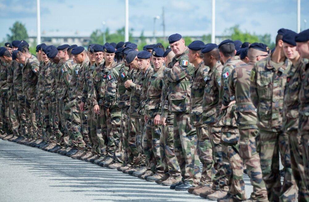 Tapa väeosas prantsuse sõdurid