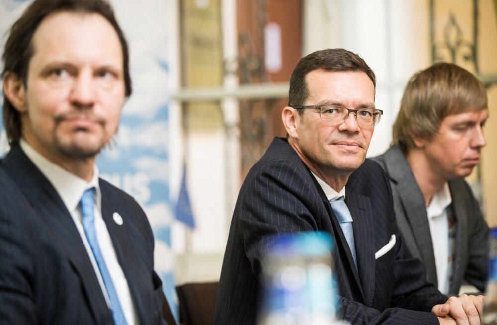 WRC-sarja promootor Oliver Ciesla tõdes, et MM-sari peab laienema eelkõige Aasiasse, Aafrikasse, Lähis-Idasse ja Põhja-Ameerikasse. Ühtlasi tunnustas ta eestlaste Rally Estonia jõupingutusi.