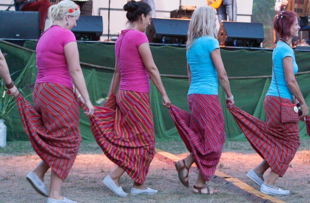 VAATA FOTOSID | Suurepärane ilm lasi Hiiu Folki neli päeva täiel rinnal nautida