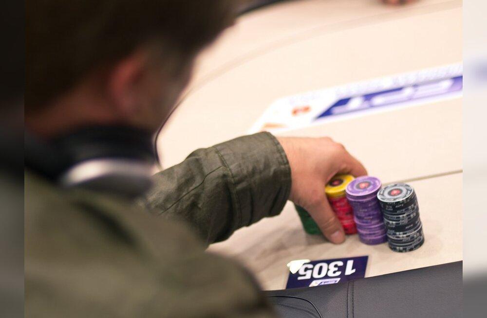 4250-eurose pokkeriturniiri kolmandal võistluspäeval jätkab seitse eestlast