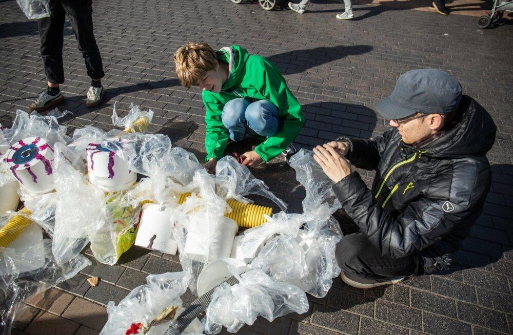 Plastikukoletis ründab