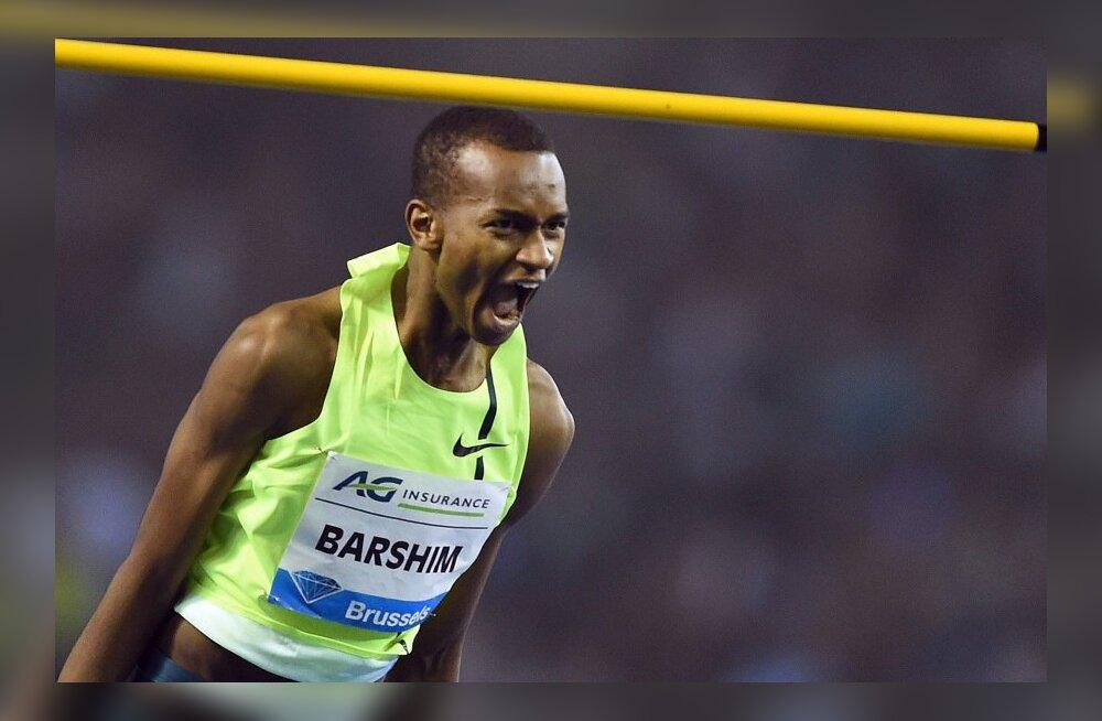 FOTO: Vaata, kui kõrgele hüppas kõigi aegade teise tulemuse püstitanud Barshim võrdluses korvirõngaga!