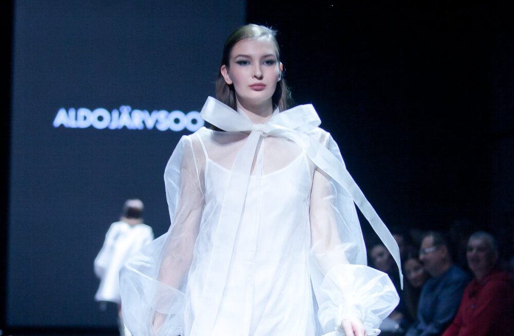 ФОТО | Архитектурность и femme fatale. Самыми яркими показами третьего дня TFW стали August и Embassy of Fashion