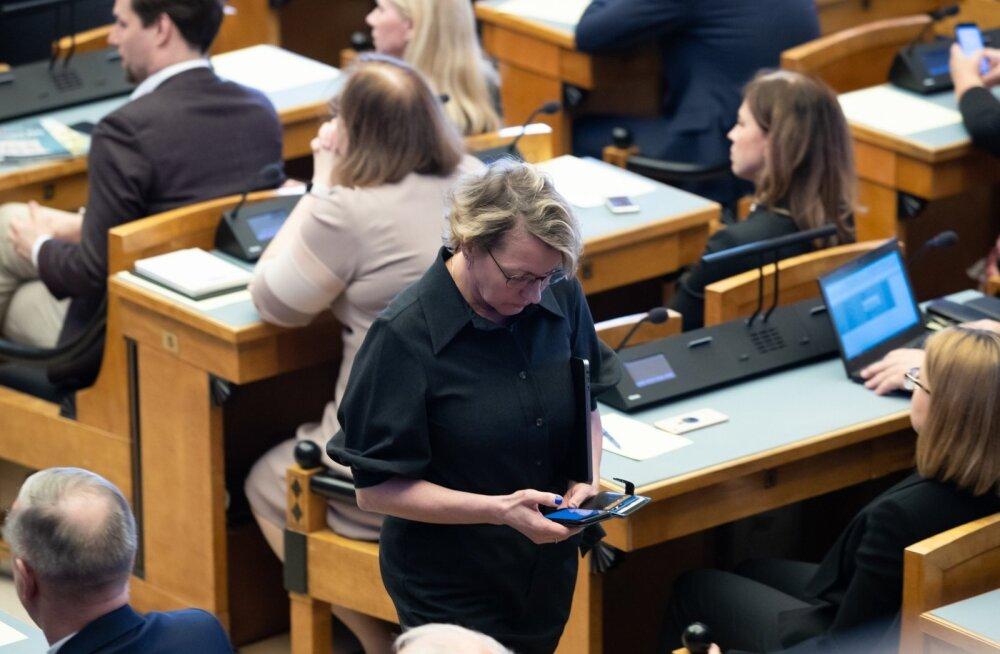 Jüri Ratas riigikogu ees.