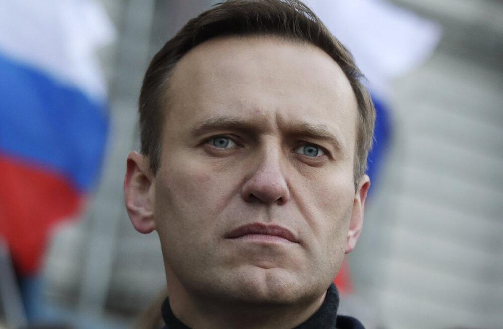 """Правительство Германии: Навальный был отравлен ядом, схожим с """"Новичком"""""""