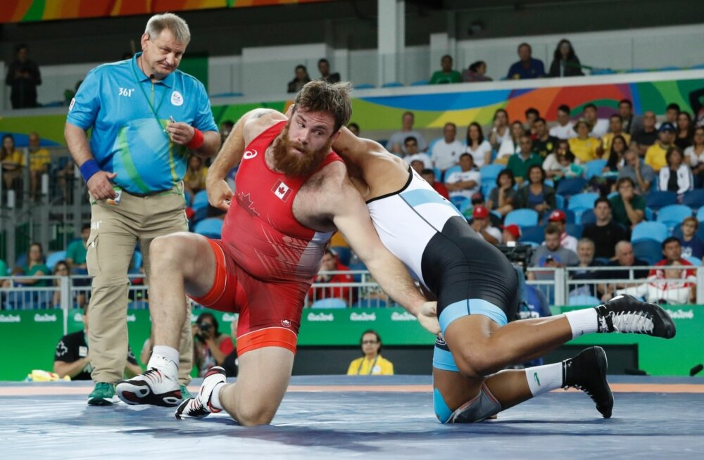 Kohtunik Peep Arold mõistis Rio de Janeiro olümpial õigust Kanada vabamaadleja Korey Jarvise ja egiptlase Diaaeldin Kamal Gouda Abdelmottalebi matšil.