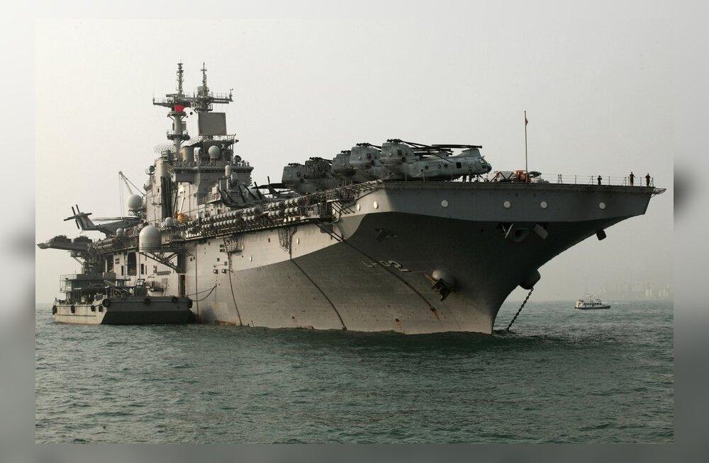 В США столкнулись корабли ВМС и упала учебная ракета
