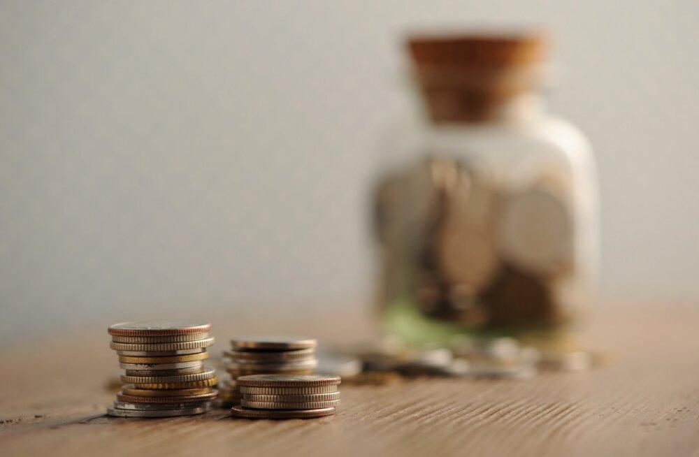 Elu palgapäevast palgapäevani: teenin Eesti keskmisest kõrgemat palka. Aga sääste mul pole ja raha on pidevalt otsas