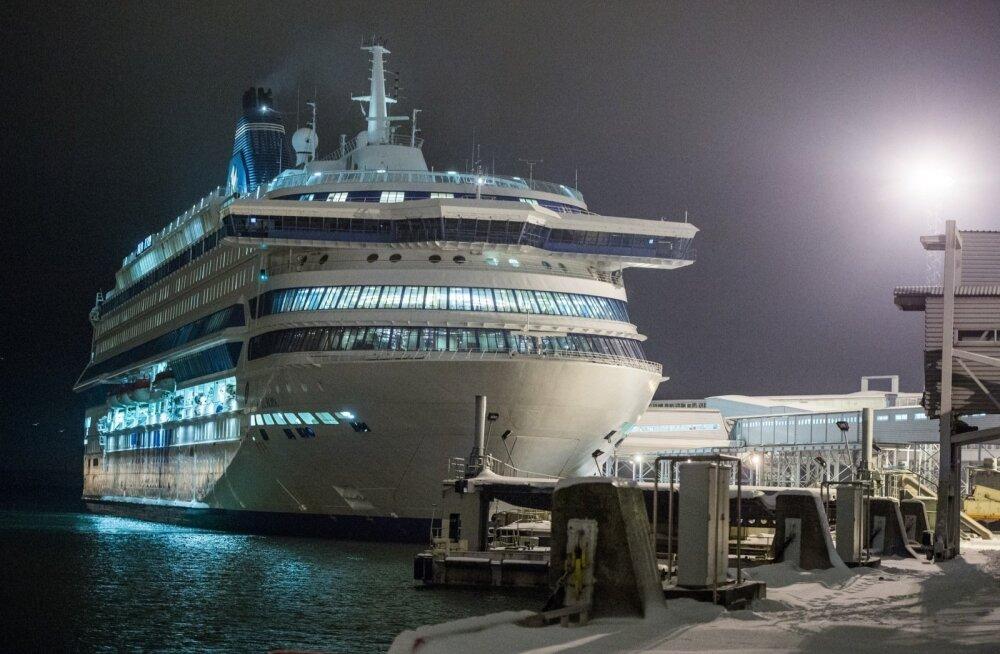 Полиция: пропавший во время круиза в Таллинн финский турист упал в море