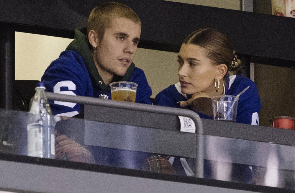 FOTOD | Liiga seksikas pruutkleit? Justin Bieberi mõrsja paljastas pulmas nii mõndagi