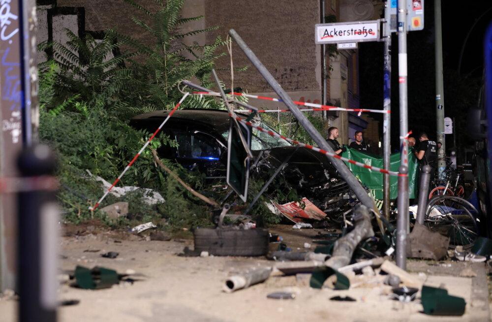 Berliinis kihutas maastur jalakäijate sekka: surma sai viis inimest, sealhulgas väikelaps
