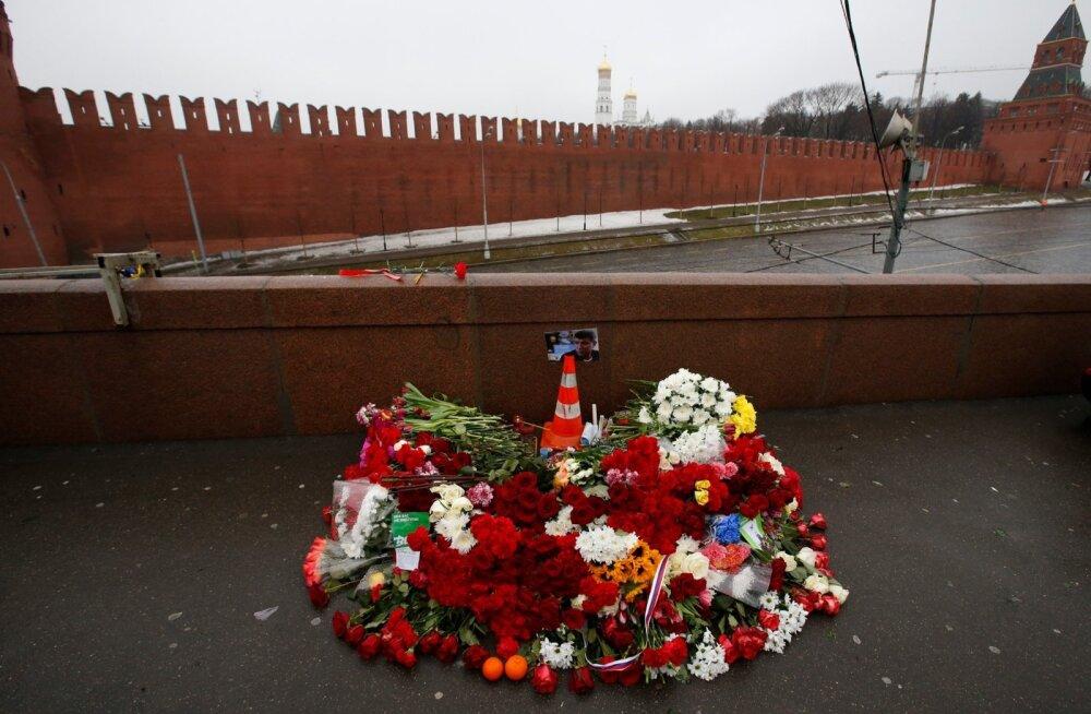 Kommersant: Nemtsovi tapmiskoha lähedased velvekaamerad olid remondi ajaks välja lülitatud
