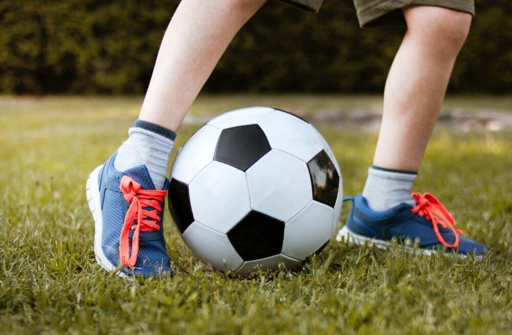 """Как не превратить детские занятия спортом в """"каторгу""""? Объясняет психолог"""