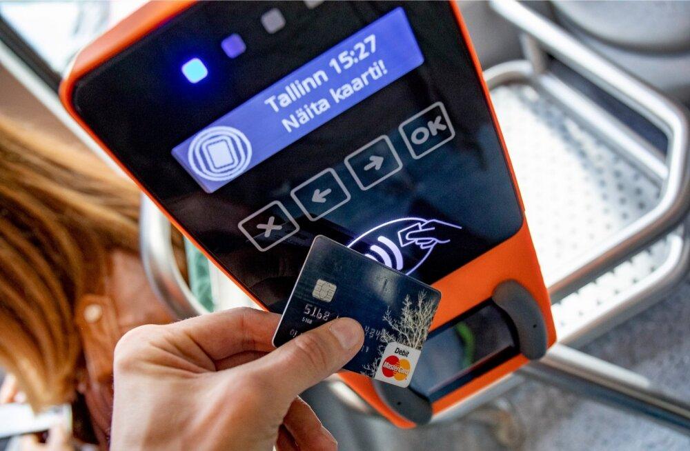 Ühissõidukis viipekaardiga piletit ostes või sõiduõigust kinnitades on oluline võtta konkreetne kaart rahakoti vahelt välja, et valideerides ei tekiks segadust.
