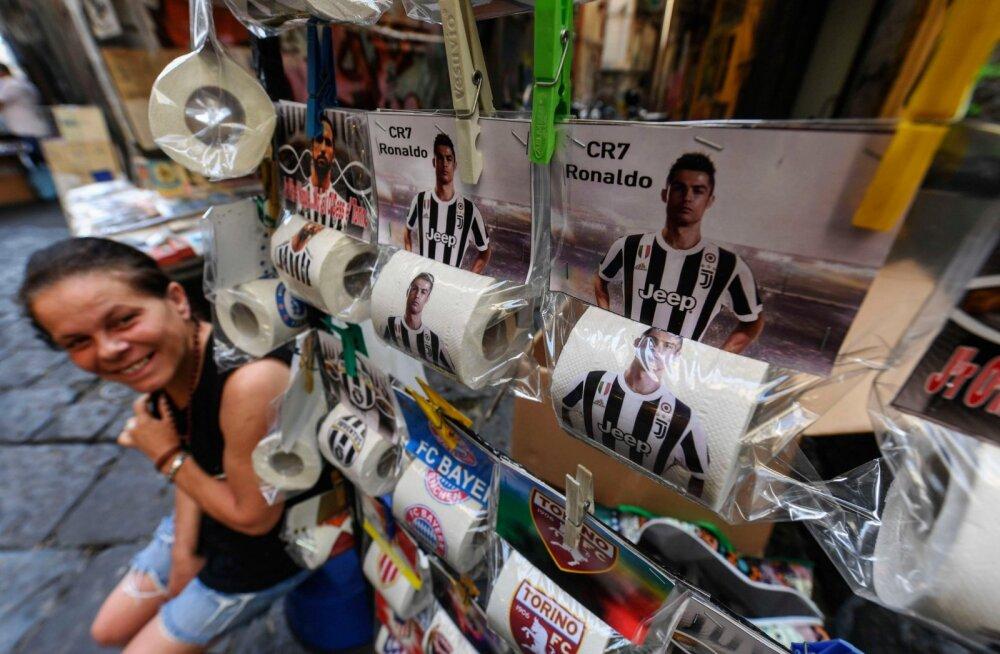 PILTUUDIS | Cristiano Ronaldo on Napolis sattunud vetsupaberi rullide peale