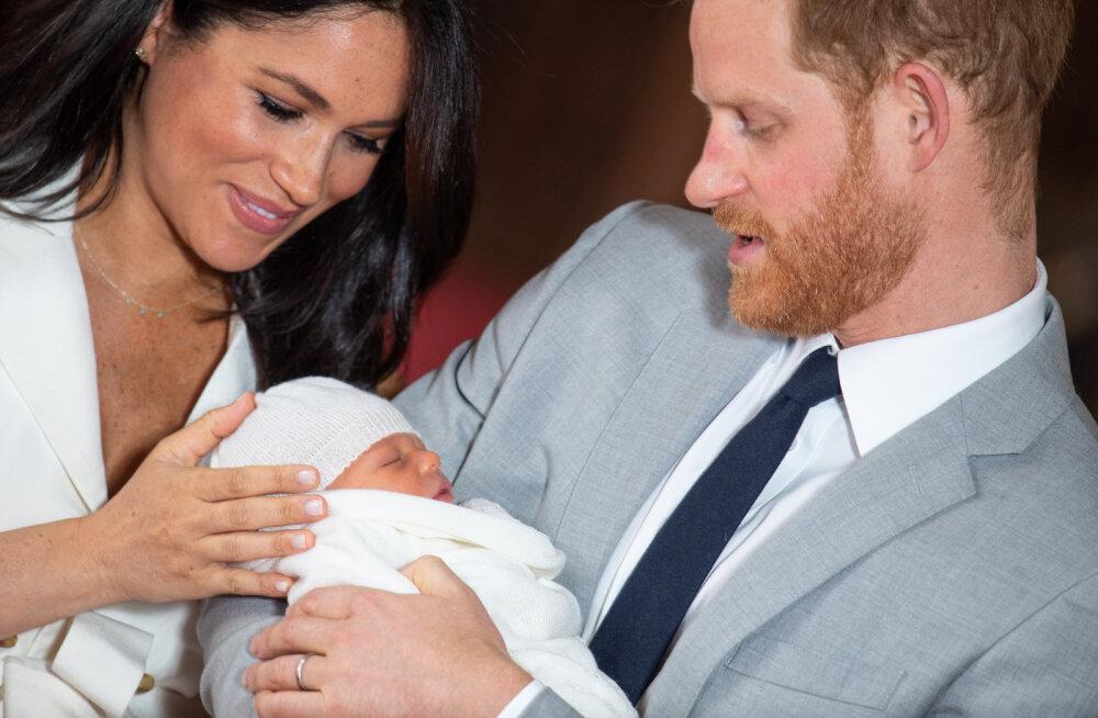 Uskumatu! Kas kuninganna ise ei osalegi väikese Archie ristsetel?