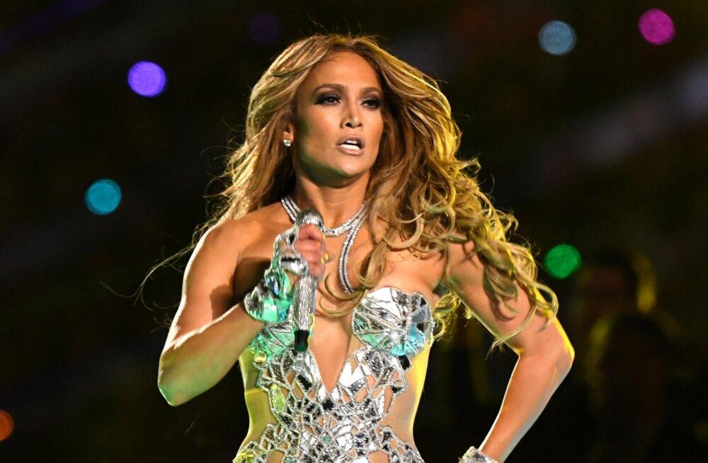 KLÕPS | Justkui teine inimene! Jennifer Lopez jagas meigivaba pilti, millelt staari peaaegu äragi ei tunne