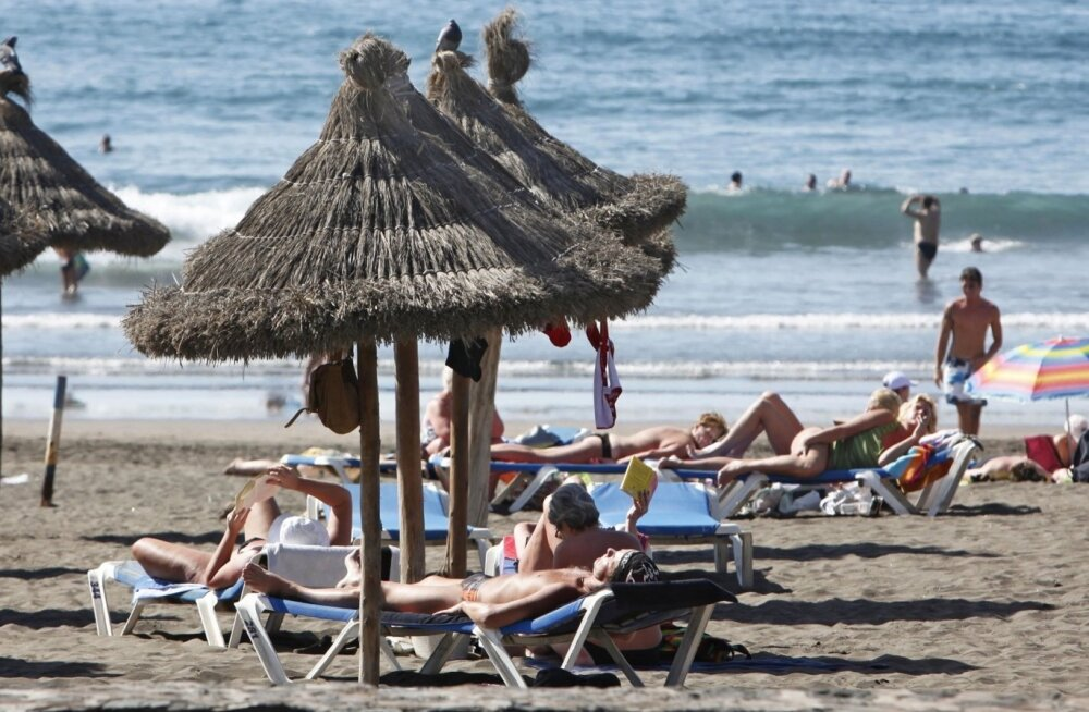 Tenerifel Los Cristianose rannas saab päikest võtta aasta ringi.
