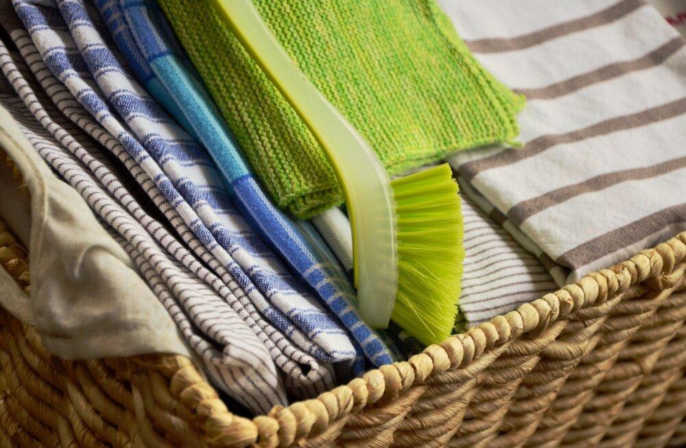 Можно ли стирать одежду с кухонными полотенцами?