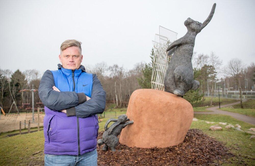 """Tauno Kangro skulptuur """"Suur saak"""" avati eelmisel nädalal Laagri aleviku pargis."""