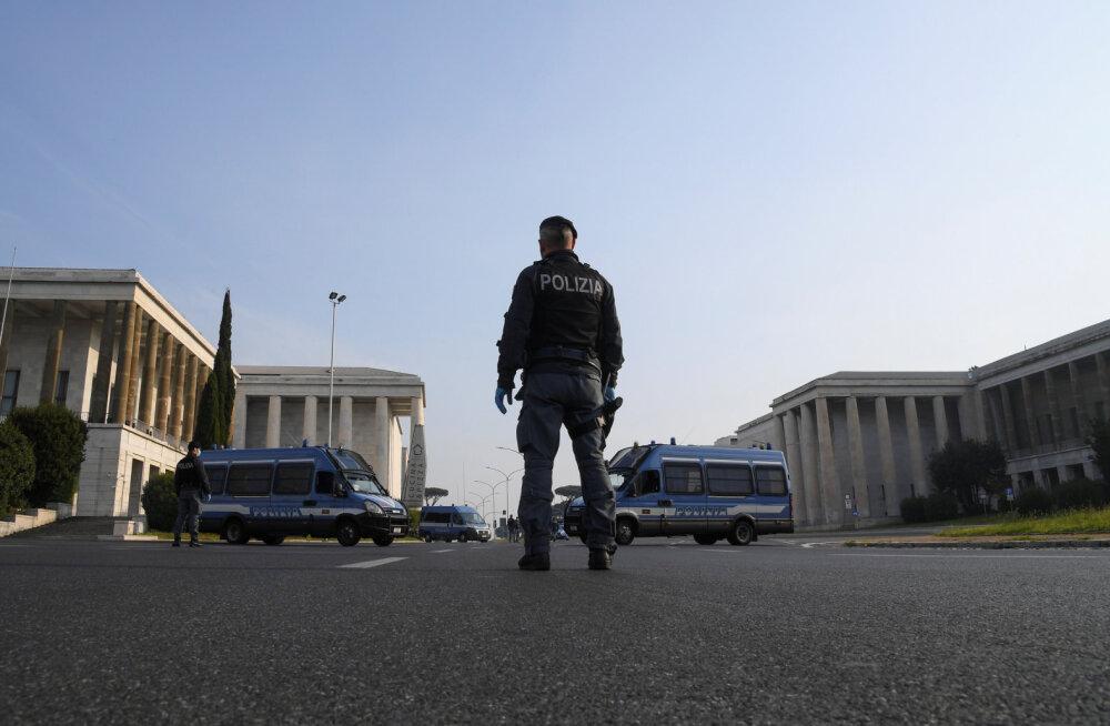 Пенсионерку в Риме оштрафовали на 400 евро за выгул черепахи во время карантина
