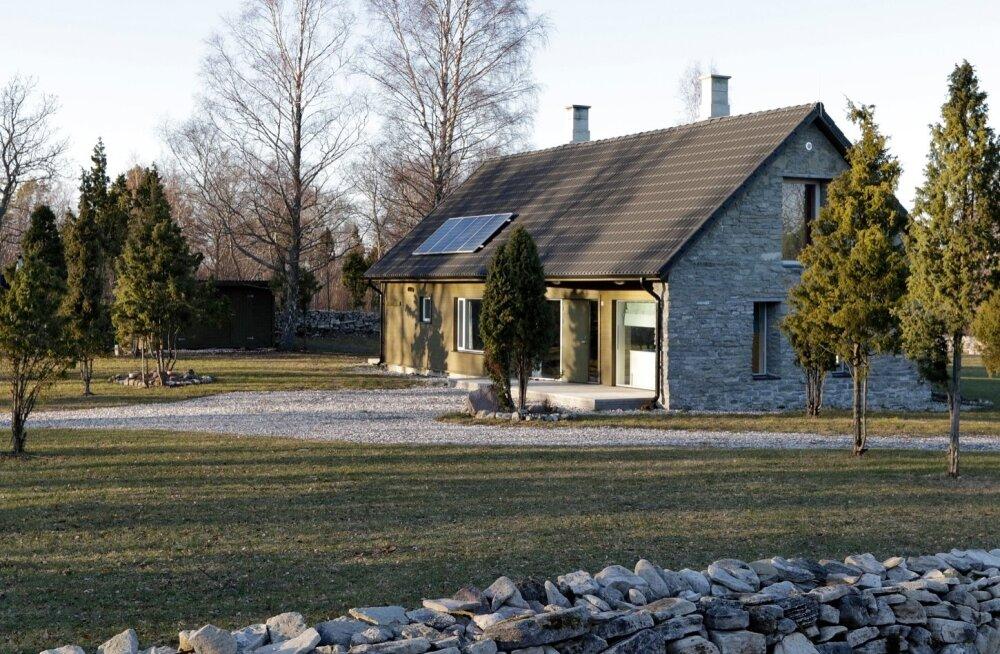Kriminaalpolitsei uurimise alla on sattunud ka Saaremaal Elda poolsaarel asuv Ninavärava puhketalu, mille ehitamist on ilmselt rahastatud PRIA meetmetest.