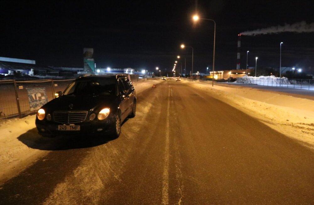 FOTOD | Politsei otsib kahe liiklusõnnetuse pealtnägijaid