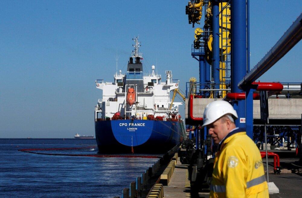 Naftatanker Ust-Luga sadamas.