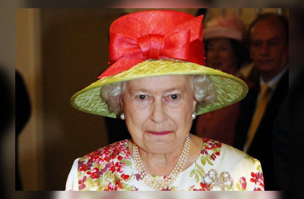 FOTOD: Kuninganna Elizabeth II aegumatult stiilsed kleidid ja kostüümid