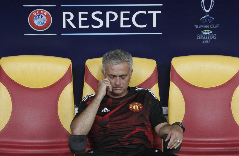 Manchester United tegi Mourinho kabineti puhtaks vaid viie minutiga