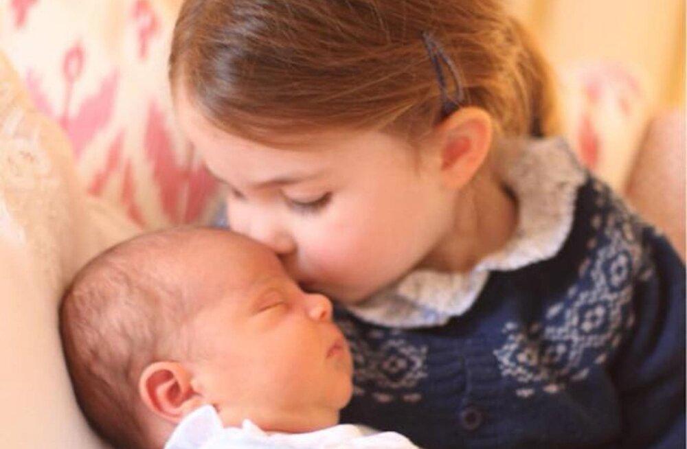 NUNNUD KLÕPSUD | Kuninglik perekond avaldas esimesed ametlikud fotod pisikesest printsist, nende autoriks on Kate ise!