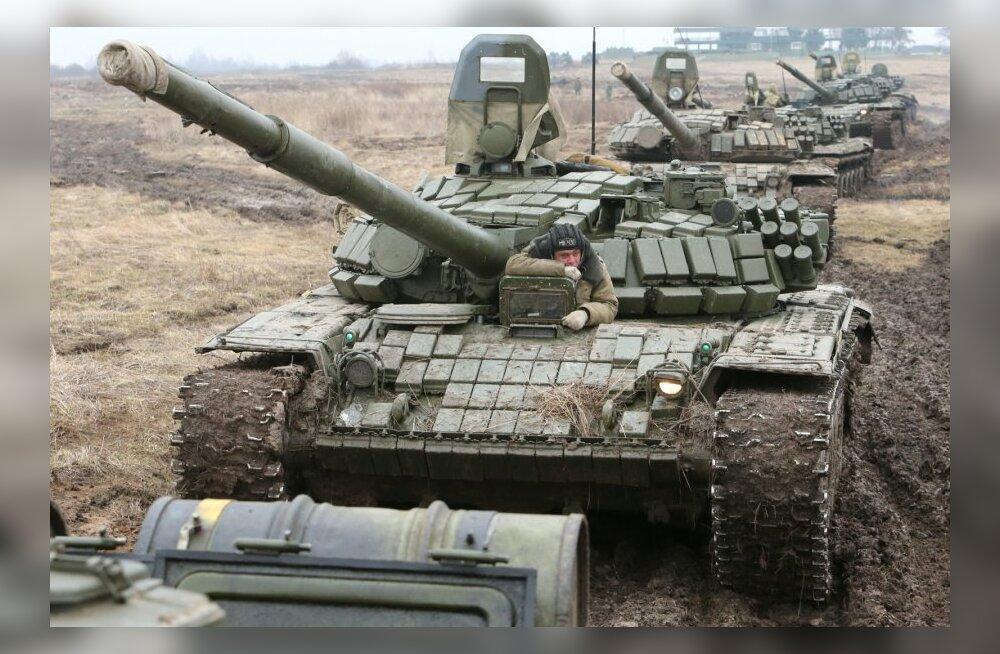 Т-72Б во время учений в Калининградской области