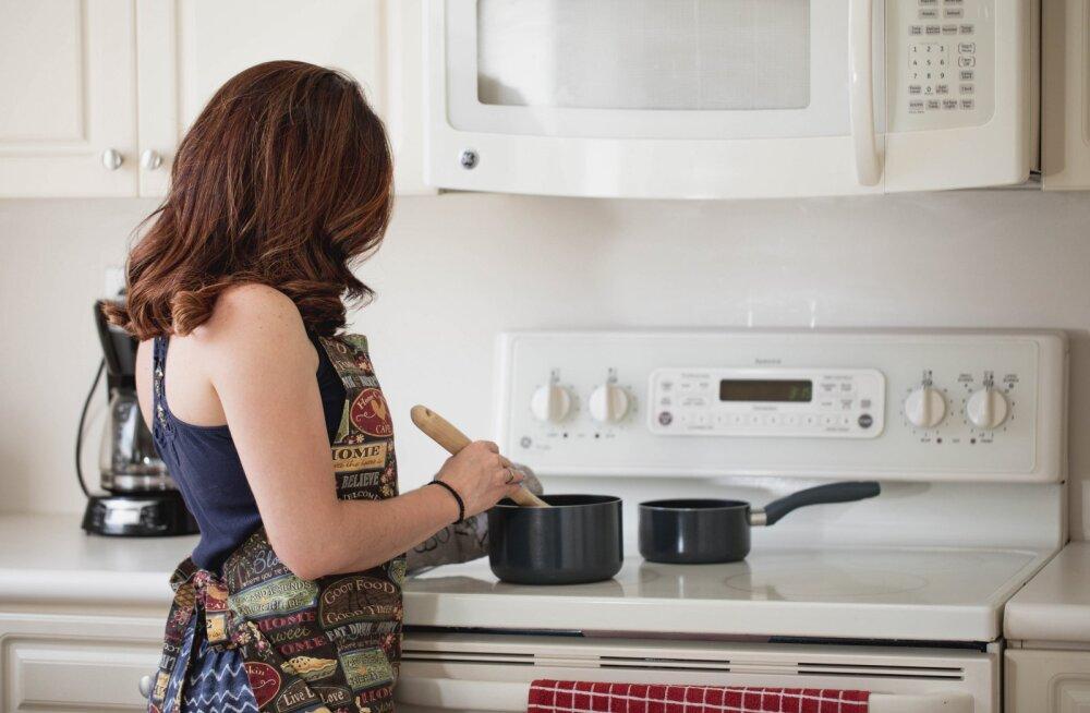 Почему нужно стирать кухонное полотенце каждый день