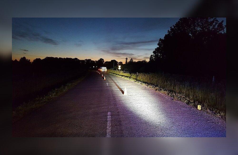 ФОТО: В Ида-Вирумаа автомобиль выехал с дороги и перевернулся: водитель погиб