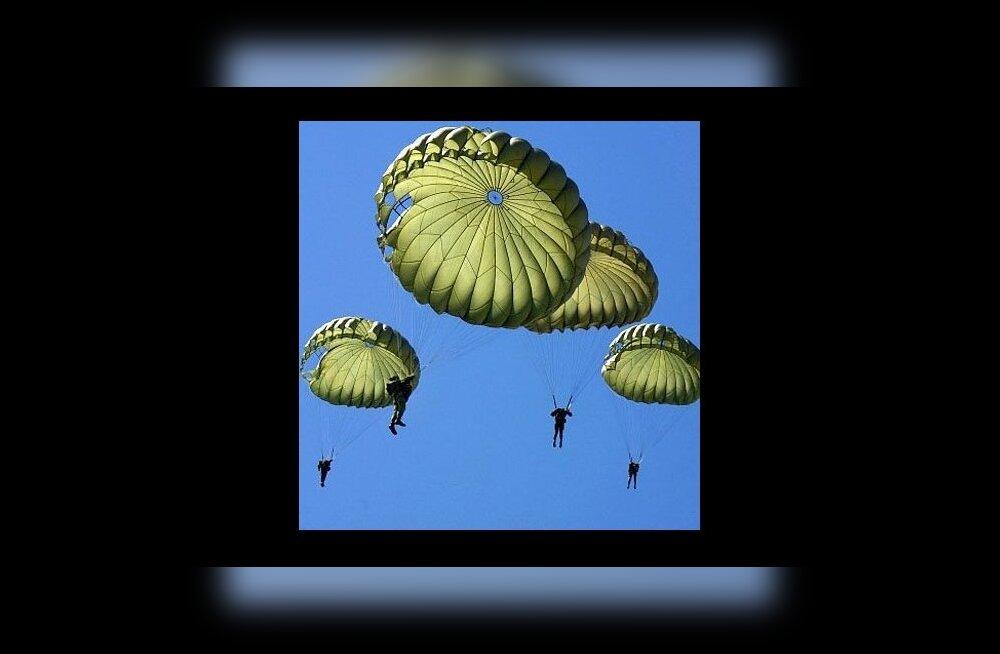 Sõjaväe langevarjurid. Foto:Sõdurileht