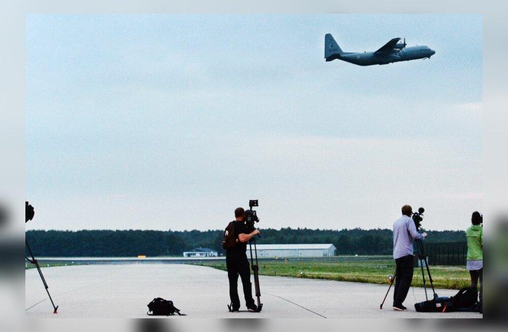 Транспортный самолет с голландской военной полицией отправляется на Украину