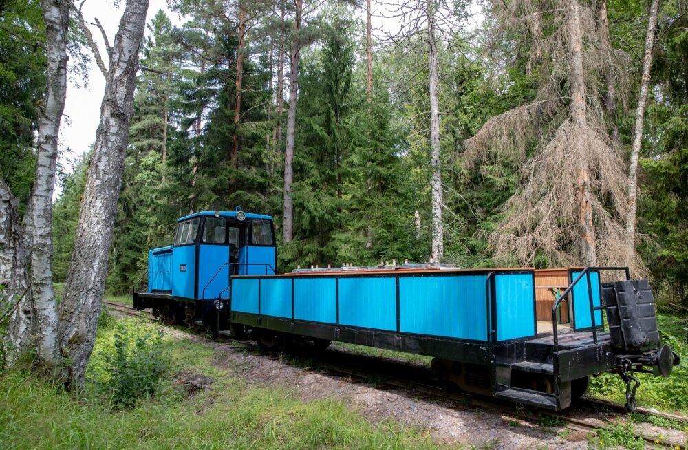 Naissaare rong, miniekskursioon Naissaarel