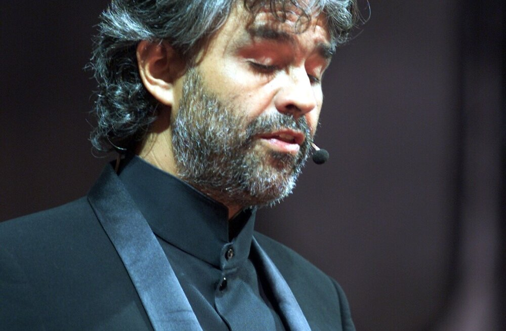 Andrea Bocelli uskumatu elu: sisuliselt pimedana baarides Sinatrat laulnud noormehest sirgus maailmakuulus tenor