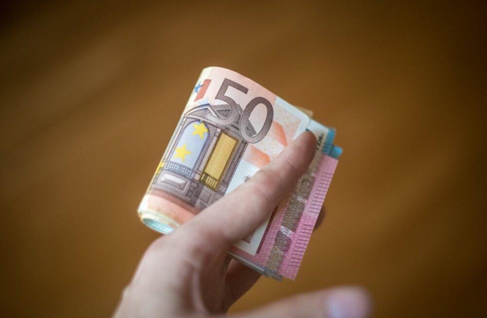 Noor neiu tühjadest lubadustest: minu 83-aastane vanaema ei taha 100 eurost pensionilisa! Ta tahab, et ülbed poliitikud ka reaalsete probleemidega tegeleks