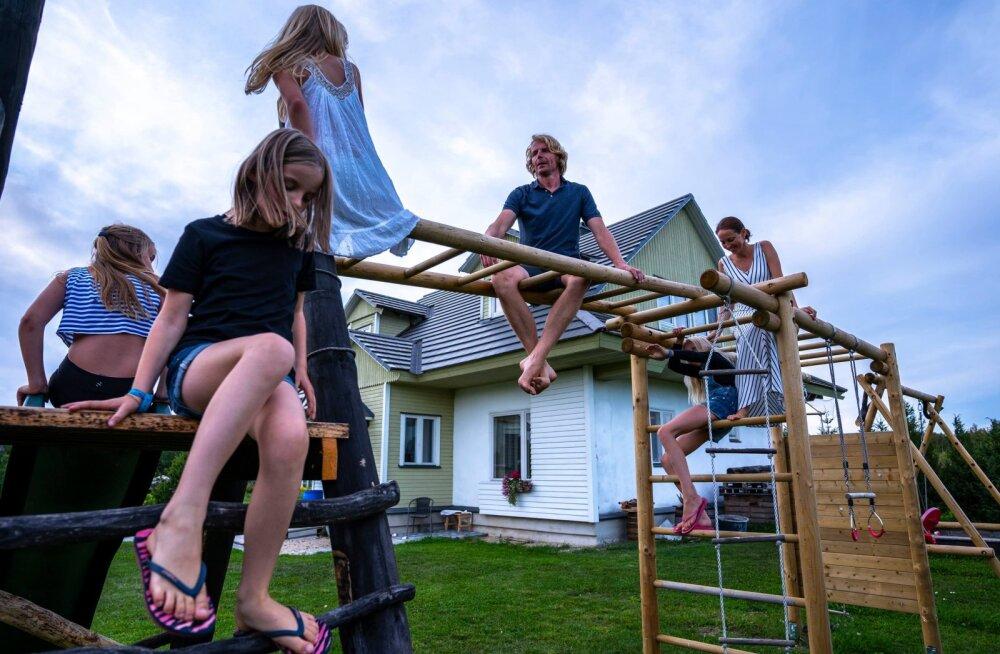 Perega maale elama: väikese lapsega kodus olles on tutvusringkond raske tekkima
