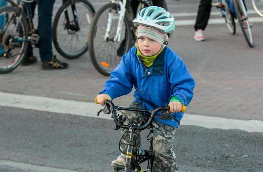КАРТА: Смотрите, где в Нарве создадут пешеходно-велосипедные дорожки