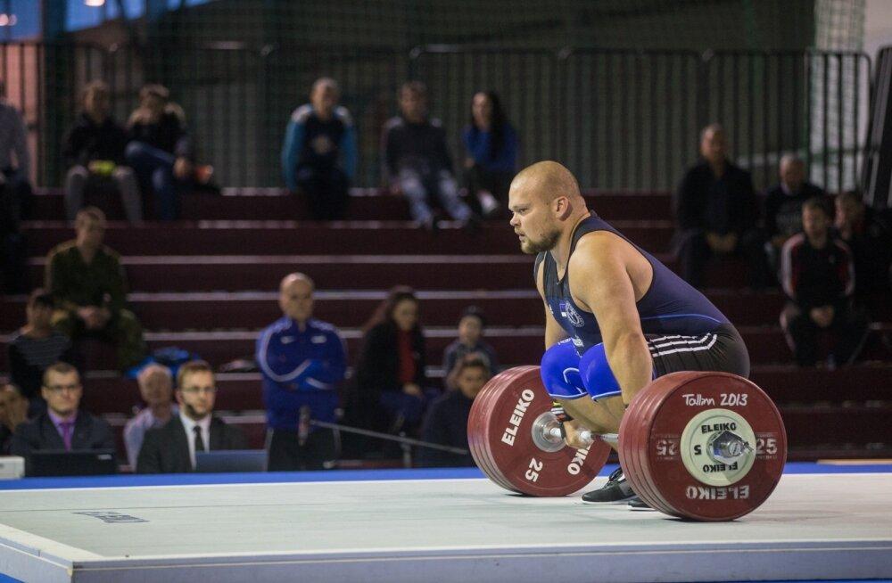 Eesti meistrivõistlustel piirdus Mart Seim rebimises 180 kiloga ja tõukamises sai kirja 235. EM-il medaliheitlusse sekkumiseks oleks vaja paarkümmend kilo rohkem.
