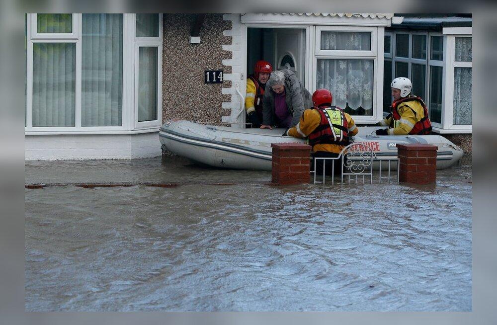 REUTERSI VIDEO: Torm tõi Suurbritannias kaasa üleujutused