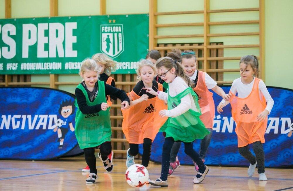 Tüdrukute jalgpallifestival külastas Kadrioru Saksa Gümnaasiumi