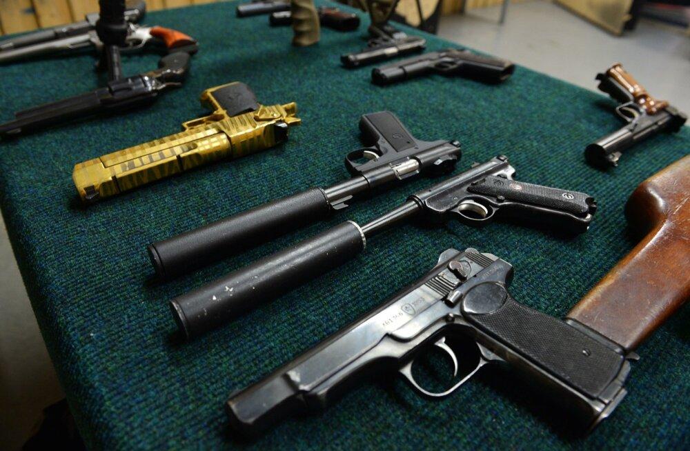 Relvad Eestis