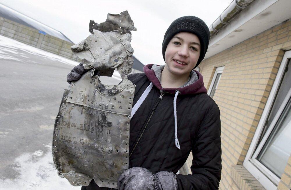 Poiss leidis kodukarjamaalt Teise maailmasõja aegse hävitaja koos piloodiga