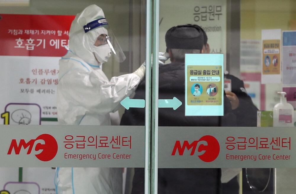 Число зараженных новым коронавирусом в Китае выросло на треть за день